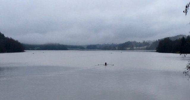 Ro-trening på Årungen en høstmorgen