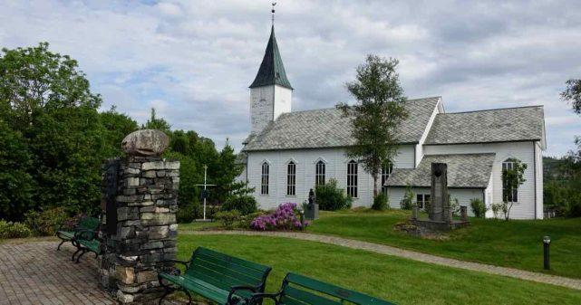 Lindås kirke i Alver