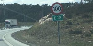 Skilt på E18