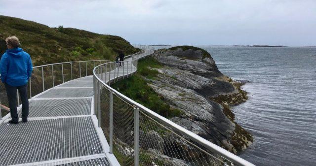 Gangveg ved Atlanterhavsveien i Averøy