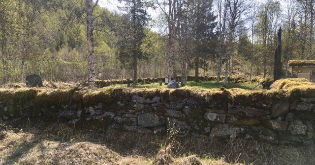Den historiske kirkegårde i BArdu