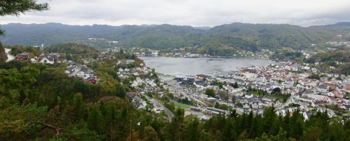 Flekkefjord med Sjåsam og Høgåsen