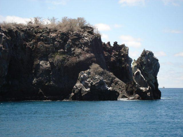 Klippe i havet på Galapagos