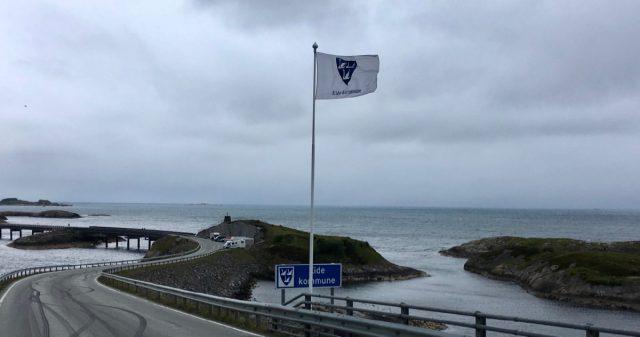 Eide kommune flagg - kommunen ble Hustadvika