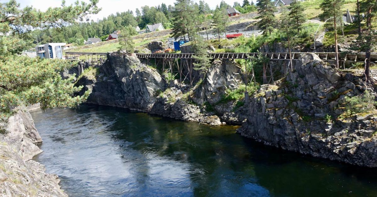 Langs elva i Notodden