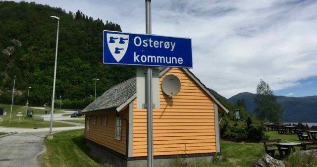 Skilt med Osterøy kommune