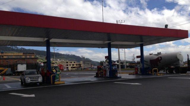 Bensinstasjon i Ecuador